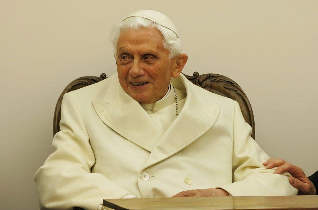 Benoît XVI, l'absence de Dieu… et François