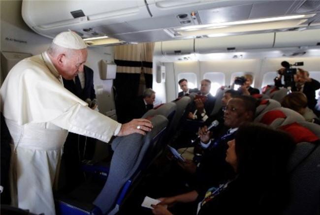 Les propos du Pape dans l'avion (aller et retour d'Afrique)