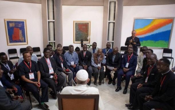 Le Pape et les jésuites du Mozambique
