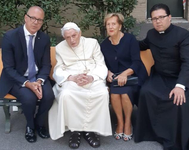 Une visite du 9 septembre à Mater Ecclesiae