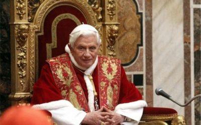 Le célibat sacerdotal expliqué par Benoît XVI