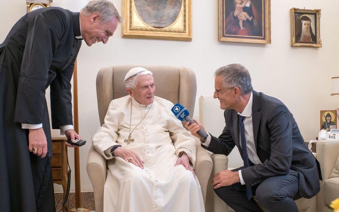 Benoît XVI reçoit la télévision bavaroise (suite)