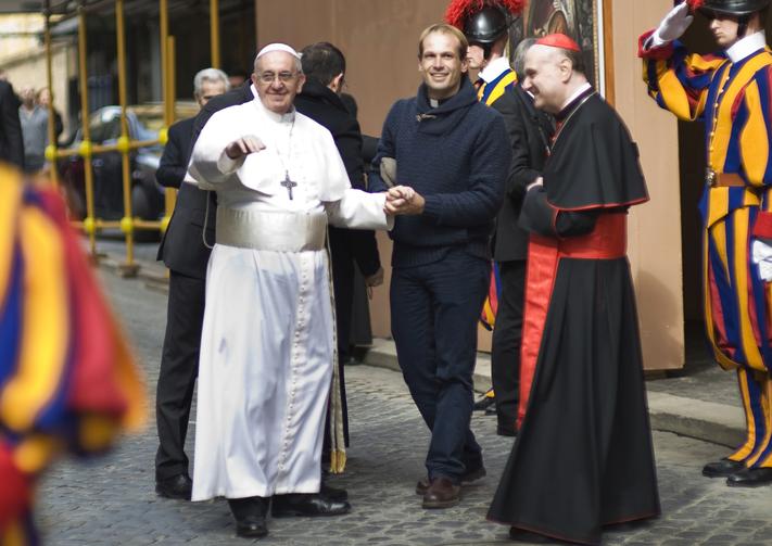 Un nouveau secrétaire pour le Pape