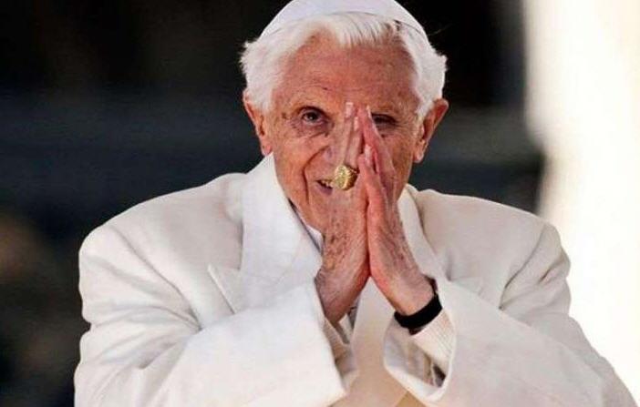 Benoît XVI sort de son silence
