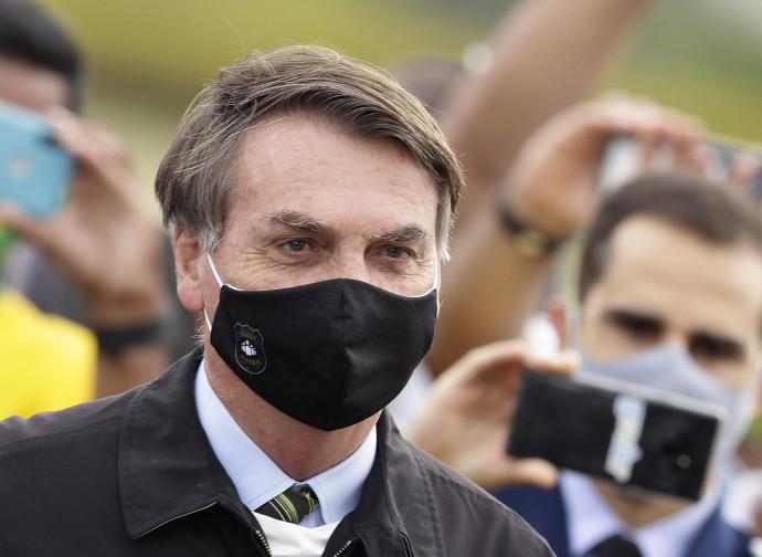 Bolsonaro positif au Covid: et les médias exultent