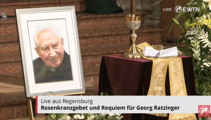 Mgr Georg rejoint sa dernière demeure