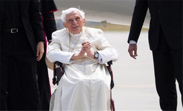Comment Benoît XVI se prépare à la mort