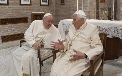 Deux papes, deux conceptions de la papauté