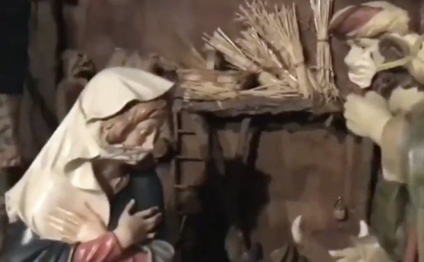 La crèche masquée