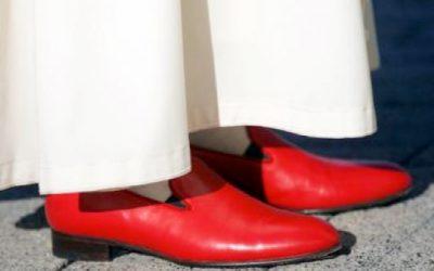 Les chaussures rouges de Benoît XVI