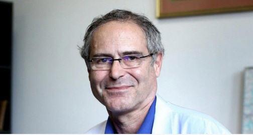 Prof. Perrone: pour le vaccin, on confond vitesse et précipitation