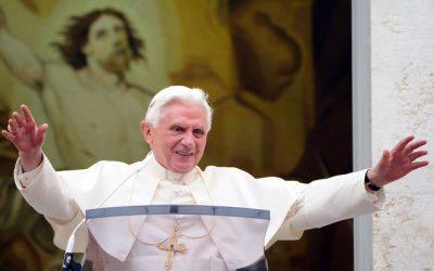 «Une vie»: la foi joyeuse de Benoît XVI
