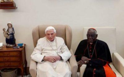 Le cardinal Sarah en visite chez Benoît XVI