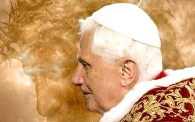 Le cardinal Müller rend hommage à Benoît XVI et «tacle» François