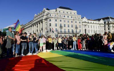 «Droits» LGBT, info-photocopie, le cas d'école de la Hongrie