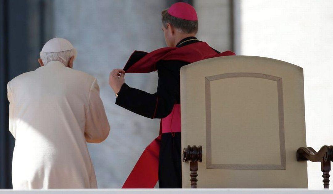 Pape émérite, vacance du Siège: faut-il légiférer?