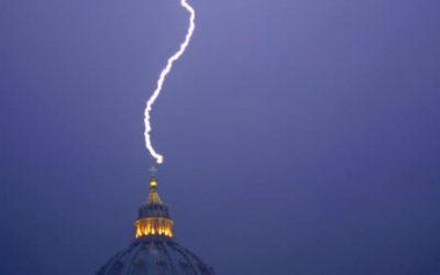 Révélations sur la renonciation de Benoît XVI